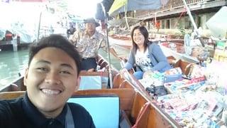 Floating Market in Thailand.jpg
