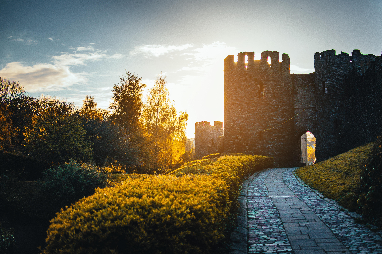 architecture-castle-clouds-1055068